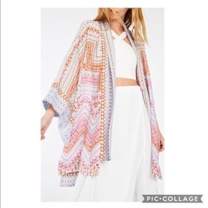 $138 BCBG MaxAzria Women's Geometric Print Shorts